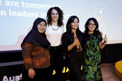 Menilik Peran dan Kontribusi Perempuan di Industri STEM Indonesia