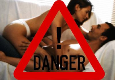 Awas Jangan Dicoba, Ini 5 Posisi Seks Paling Berbahaya