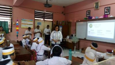 Ajari Anak SD, Sri Mulyani: Bisa Tingkatkan Energi Saya