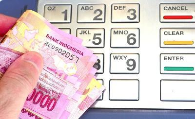 Rupiah Bergerak 2 Arah ke Rp15.192 USD