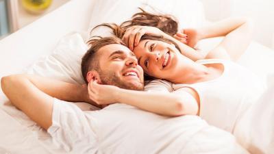 Ucapkan 3 Kata Ini untuk Meningkatkan Gairah Pasangan di Ranjang