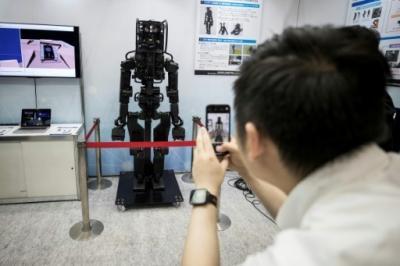 Canggih, Robot-Robot Ini Bisa Menjadi Kurir Pengantar Paket hingga Kuli Bangunan