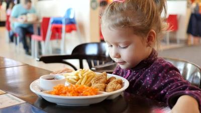 Begini Cara Mengatasi Anak yang Pilih-Pilih Makanan
