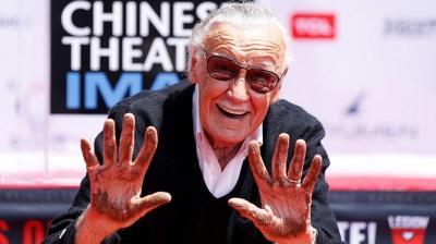 Bintang Stan Lee di Hollywood Walk of Fame Dipenuhi Bunga & Pesan Penggemar