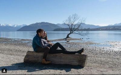 Bulan Madu Keliling Selandia Baru, Nadine Chandrawinata & Dimas Anggara Tumpangi Camper Van