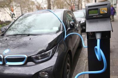 Tunggu Perpres, Fast Charging Disiapkan untuk Mobil Listrik