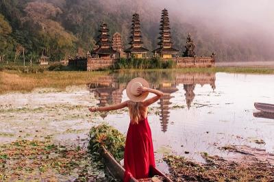 Sempat Di-bully Netizen, Ini 5 Gaya Traveling Patricia Monzon di Indonesia