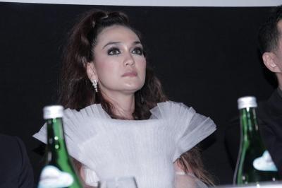 Bayaran Mahal hingga Hilangnya Scene Sate, Simak Fakta Film Suzzana: Bernapas Dalam Kubur