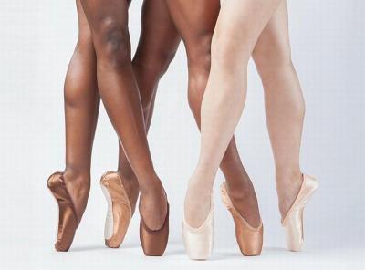 Pertama Kalinya, Perusahaan Inggris Luncurkan Sepatu Balet Berwarna Gelap