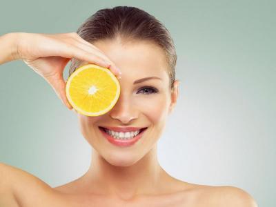 Mau Kulit Glowing Tanpa Make-Up? Cukupi Kebutuhan 3 Vitamin Ini