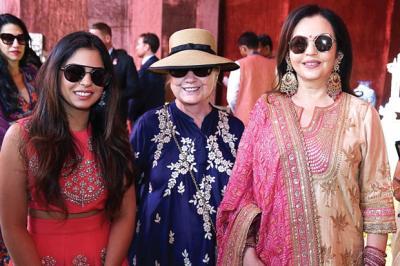 Miliarder Mukesh Ambani Nikahkan Putrinya, Gelar Pesta Paling Mewah di India