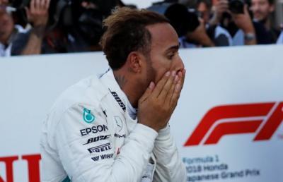 Van der Mark Komentari Kecepatan Hamilton saat Kendarai Motornya