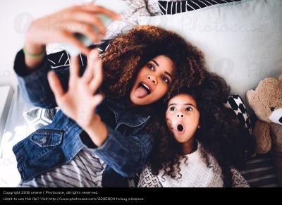 Perilaku Orangtua Sering Posting Foto Anak di Media Sosial, Ini Kata Psikolog!