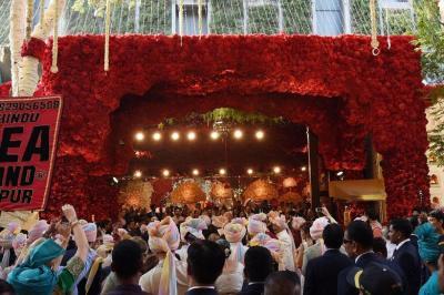 Undang Beyonce & Hillary Clinton, seperti Ini Pernikahan Mewah Crazy Rich Mumbai yang Fenomenal!