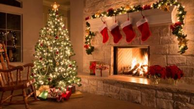 Cara Memasang Lampu pada Pohon Natal yang Benar Menurut Ahli