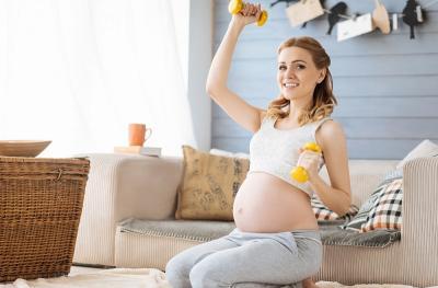 Ibu Hamil Tak Boleh Angkat Beban Berat Ternyata Cuma Mitos, Ini Faktanya!