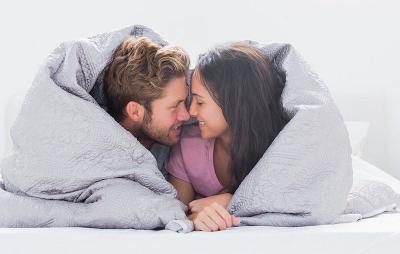 5 Posisi Seks yang Cocok Anda Coba Tahun Ini