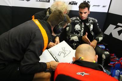 Perangkat Elektronik Buat Oliveira Lebih Mudah Kendarai Motor MotoGP