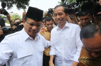 Ketika Jokowi dan Prabowo Ikut 10 Years Challenge, Seperti Apa Ya?