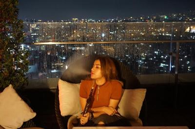 Kisah Wanita yang Tergila-gila Hisap Shisha, Rela Sampai ke Turki!