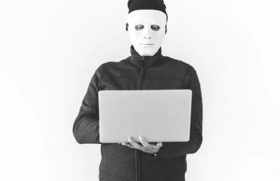 Ini Cara Hacker Mengintip Ponsel Anda dan Tips Mencegahnya