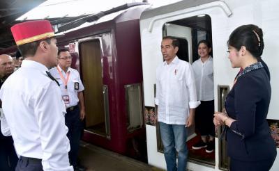 Ke Garut, Presiden Jokowi Cek Jalur Kereta Api