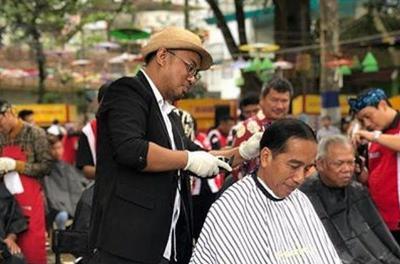 Intip Gaya Rambut Baru Presiden Jokowi, Potong di Mana Sih?