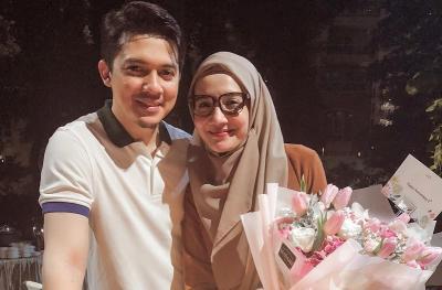 Zaskia Sungkar & Irwansyah Rayakan Ulang Tahun Pernikahan dengan Umrah