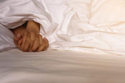 5 Ketakutan yang Harus Disingkirkan Wanita saat Malam Pertama