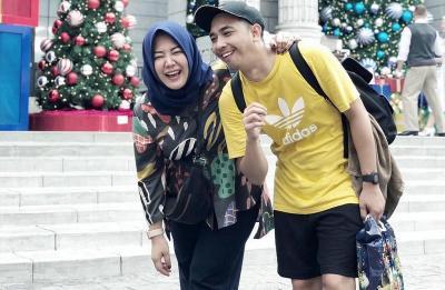 Risa Saraswati Ungkap Peter cs Awalnya Tak Suka pada Sang Suami