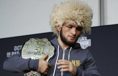 Legenda UFC Ini Putuskan Pensiun Sebelum Lawan Khabib
