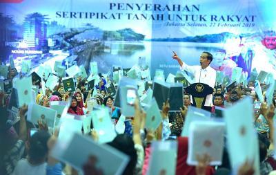 Sertifikat Tanah Dibilang Tak Berguna, Presiden Jokowi: Kita Lanjutkan