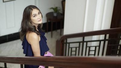 Luna Maya Curhat di Instagram, tentang Pernikahan Syahrini & Reino Barack?