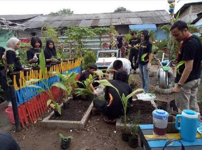 Edukasi Budidaya Rempah Bangun Kampung Inovasi Cimone