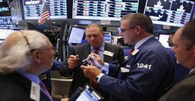 Wall Street Mixed, Dow Jones dan S&P Kompak Melemah