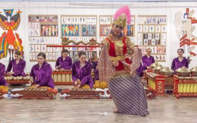 Keren, Alunan Musik Gamelan Iringi Peragaan Busana di Moskow Rusia