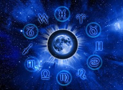 Deretan Zodiak yang Bermulut Manis, Pacarmu Termasuk Gak?