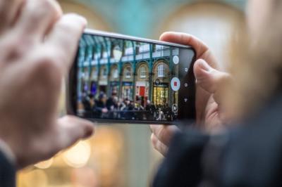 Simak Fungsi Teknologi AI pada Kamera Smartphone