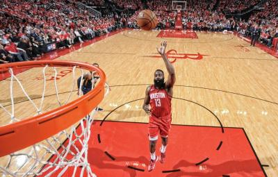 Raih Triple-Double, Harden Bawa Rockets Unggul 2-0 atas Jazz