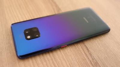 Huawei Mate 30 Bakal Miliki Dua Layar?