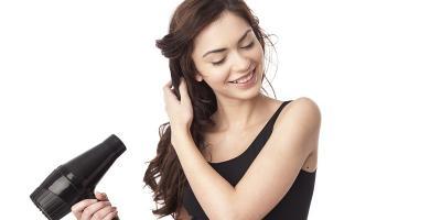 Sering Pakai Hairdryer atau Catokan? Ini Trik Merawat Rambut biar Tetap Sehat