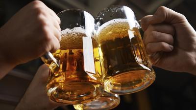 Awas, Minum Alkohol Tingkatkan Risiko Kena Serangan Stroke!
