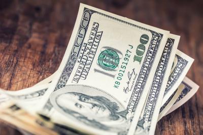 Dolar AS Menguat Tunggu Data Pertumbuhan Ekonomi Kuartal I
