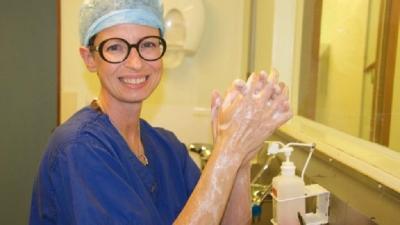 Kisah Hidup Dokter Bedah Kanker Payudara yang Terkena Kanker Payudara