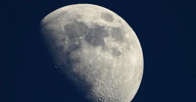 Bulan Menyusut hingga Permukaan Berkerut dan Gempa