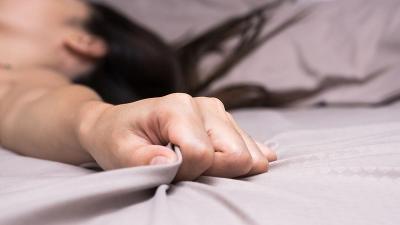 Membuat Suara Mendesah saat Bercinta Dapat Mempercepat Orgasme