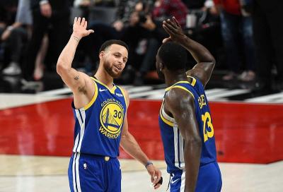 Warriors Kembali Hajar Blazers di Game Ketiga Final Wilayah Barat NBA