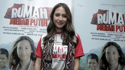 Pevita Pearce Temukan Tantangan Seru di Film Rumah Merah Putih