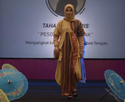 Applaus untuk Fashion Show Pesona Khazanah Ramadhan 2019