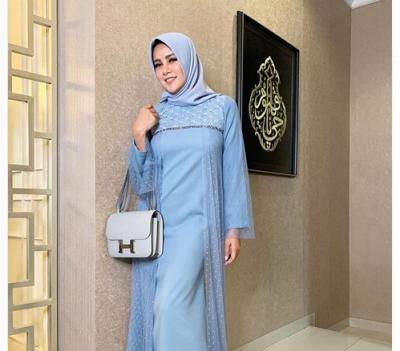 5 Gaya Hijab Cantik ala Olla Ramlan, Simpel nan Modis